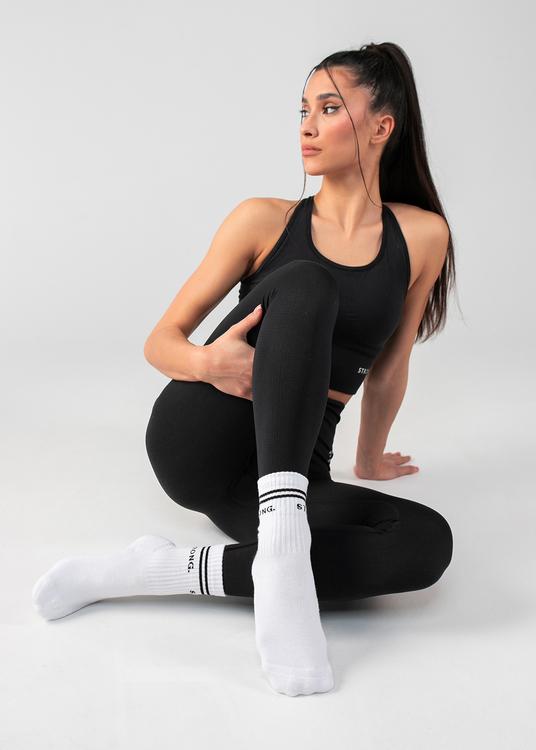 STRONG. 90's Socks White